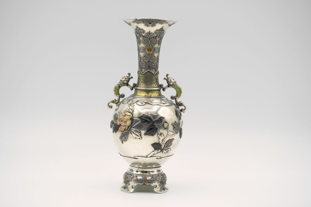 根本製純銀七宝牡丹図花瓶その2