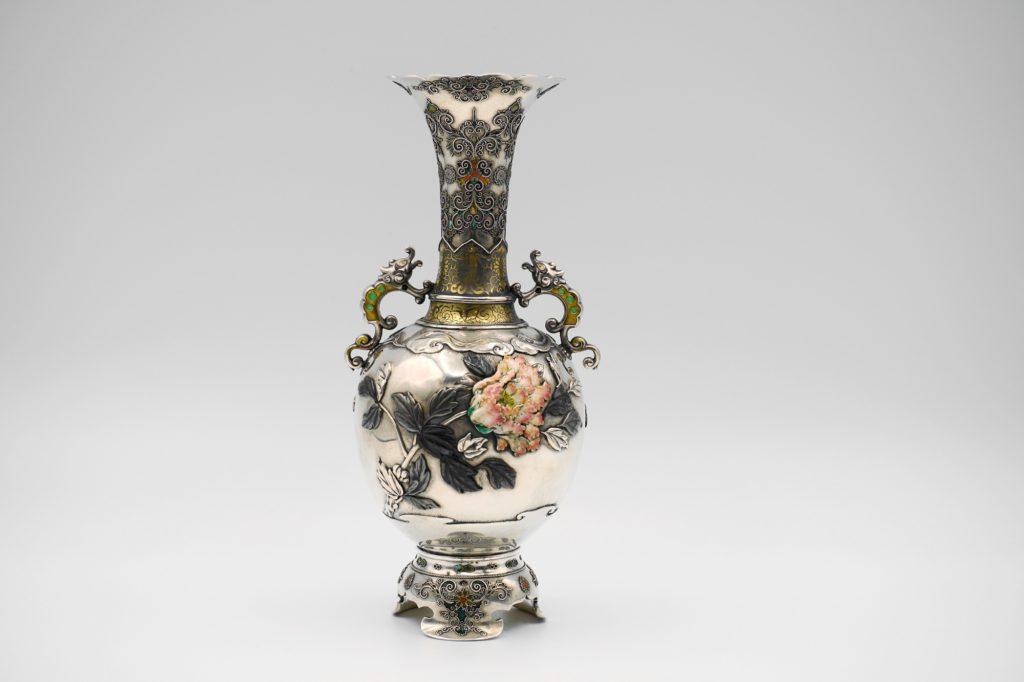 根本製純銀七宝牡丹図花瓶その1