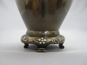 黒田 象嵌鶴鶯図花瓶 裏面下部