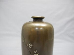 象嵌梅花樹図花瓶上部