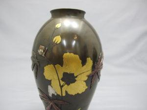 象嵌 金銀草花図花瓶 一対 その1