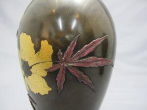 象嵌 金銀草花図花瓶 一対 その1拡大