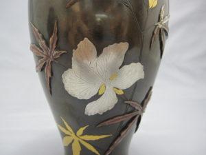 象嵌 金銀草花図花瓶 一対 その2拡大