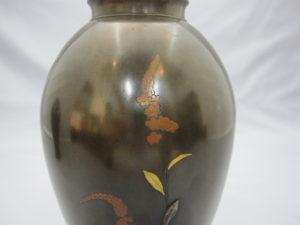 象嵌 金銀草花図花瓶 一対 その2裏面上部