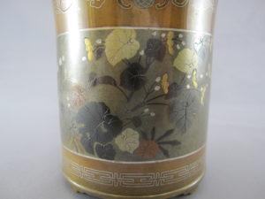 能川製 銅・四分一象嵌 花蝶図香炉(その2)図柄拡大