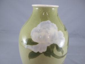牡丹図花瓶 牡丹図(白)拡大