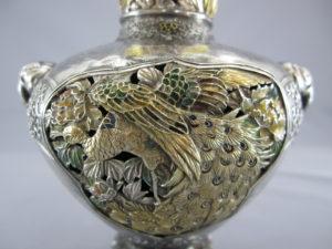 銀七宝 鳳凰に獅子図象嵌花瓶鳳凰図拡大