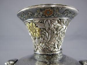 銀七宝 鳳凰に獅子図象嵌花瓶上部