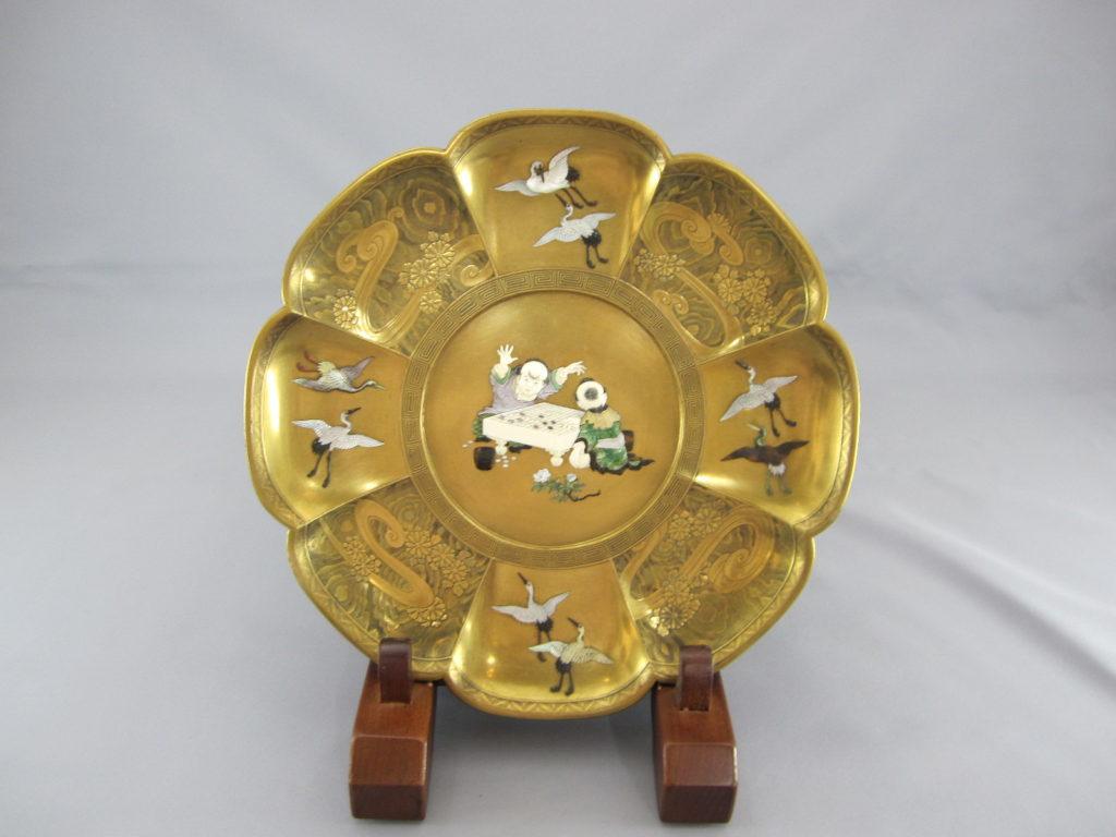 芝山蒔絵囲碁図輪花皿