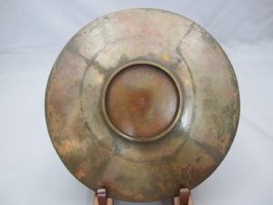 能川製 象嵌鵜飼い図飾皿裏面