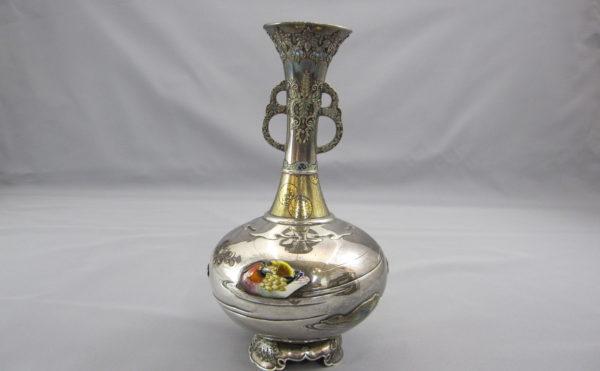銀七宝象嵌鴛鴦図双耳花瓶その1