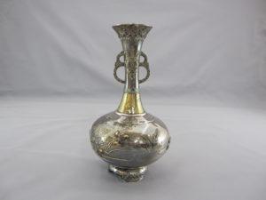銀七宝象嵌鴛鴦図双耳花瓶その2
