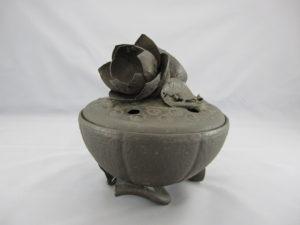 明珍 鉄打出蓮形香炉(その2)