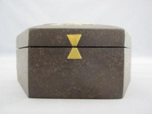 鉄地象嵌猩々図六角飾箱側面図柄