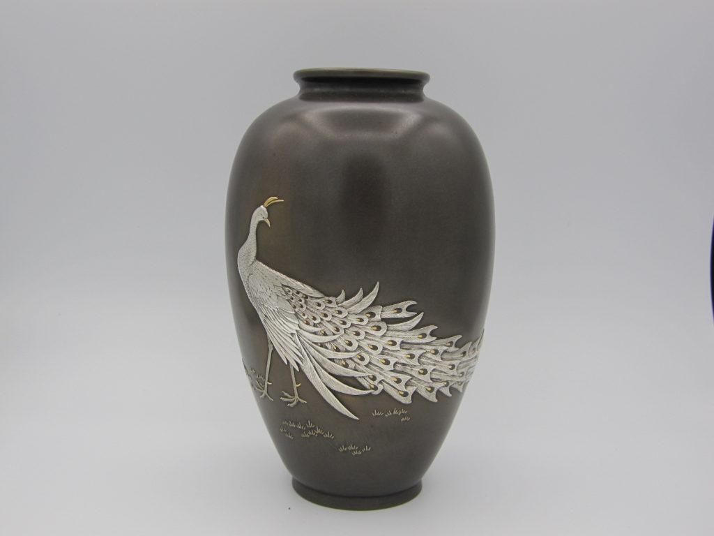 黒田 象嵌 孔雀図花瓶