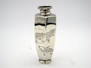 銀 遊鯉図六角花瓶2面