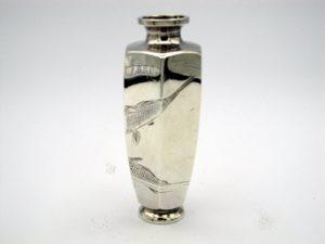 銀 遊鯉図六角花瓶3面