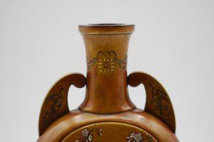 能川製象嵌花鳥風月図双耳変形花瓶上部拡大