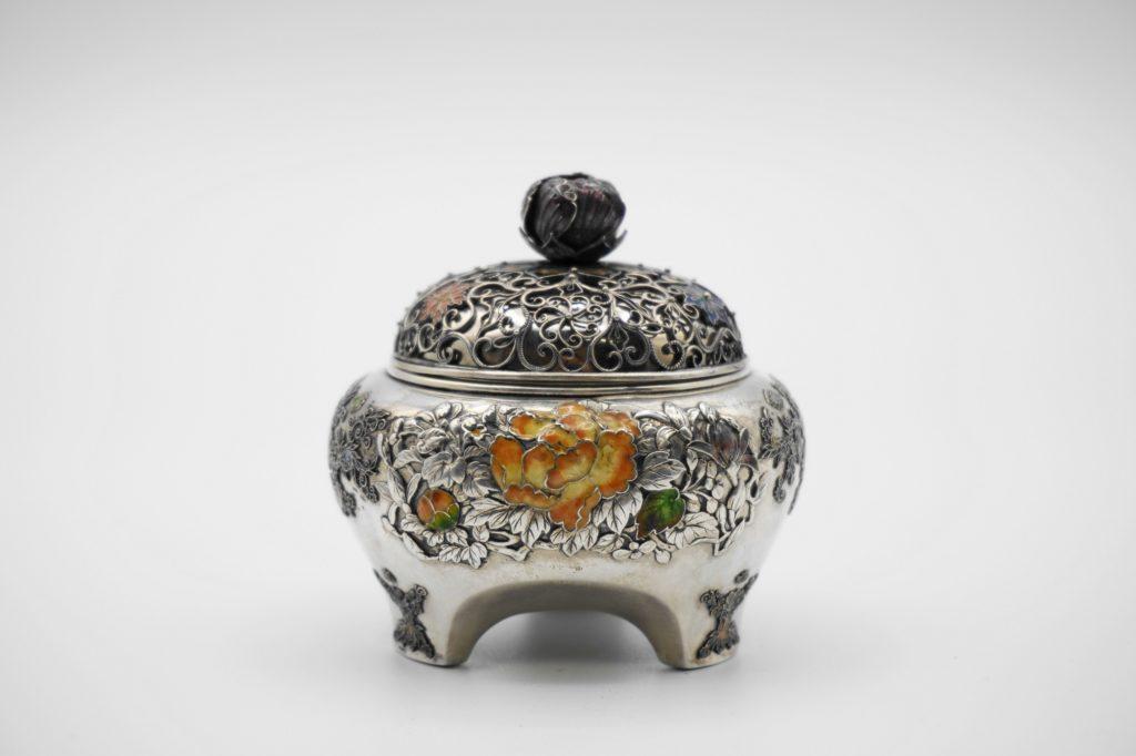 根本製銀七宝花図香炉(その2)